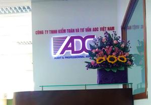 Lễ tân ADC